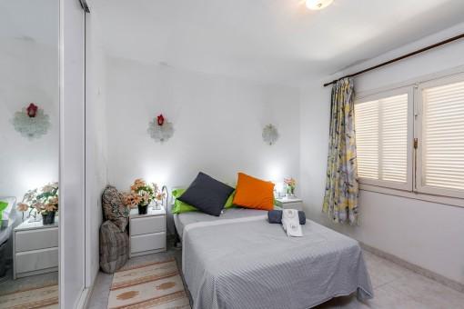 Double bedroom with built-in wardrobe