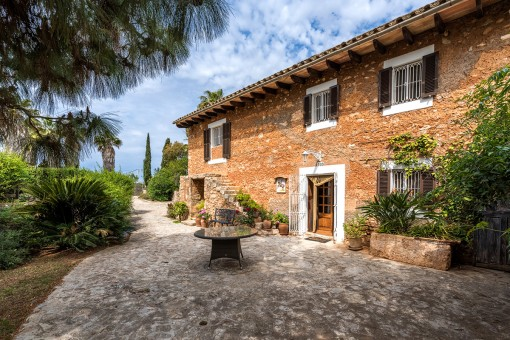 Authentic Mallorcan country house offering complete privacy in natural surroundings near Son Mesquida