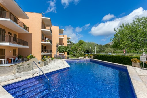 Renovated apartment with wonderful mountain and sea views and communal pool in Port Pollenca