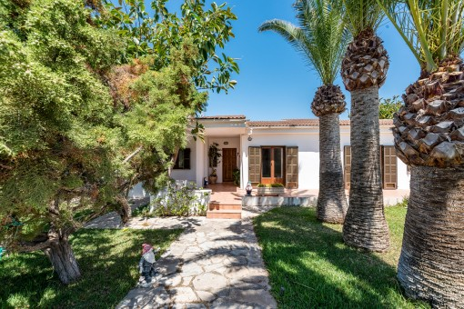 Chalet with unobstructed sea views in privileged location in Sa Punta, Porto Colom
