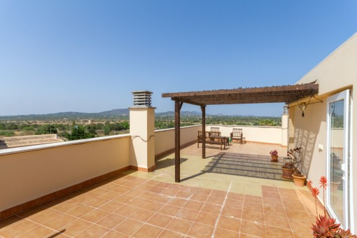 Beautiful apartment in Santanyi with a large roof terrace and wonderful views of