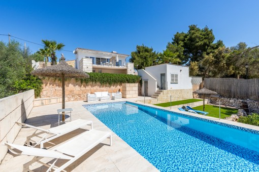 Wonderful chalet in Cala Llombards with pool...