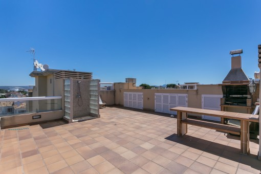 Barbecue area on the roof terrace
