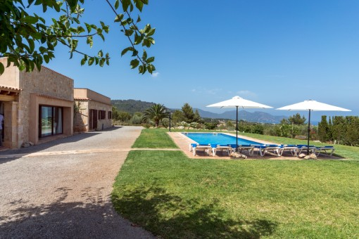 Outstanding finca property situated in the hills of Son Servera with panoramic views of the sea
