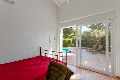 Second bedroom with access to the terrace