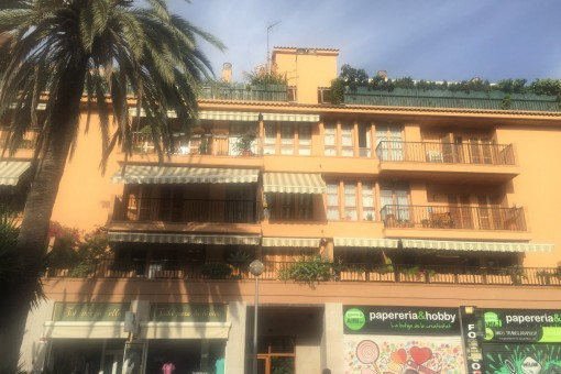Centrally-situated, furnished apartment with balcony and parking space in Palma