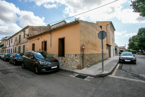 house in Santa Maria del Cami
