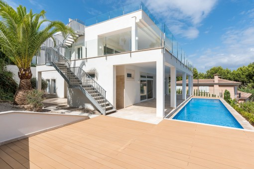 Completely renovated villa in an exclusive...