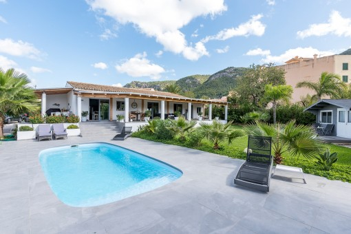 Picturesque, completely-restored finca in idyllic surroundings in Andratx