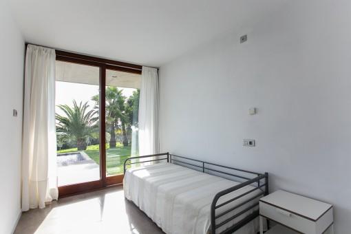 Bedroom with dircet garden access