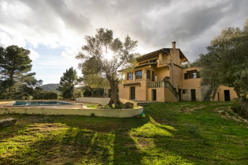 Large finca with pool surrounded by idyllic nature and with wonderful views of the valley in Puigpunyent