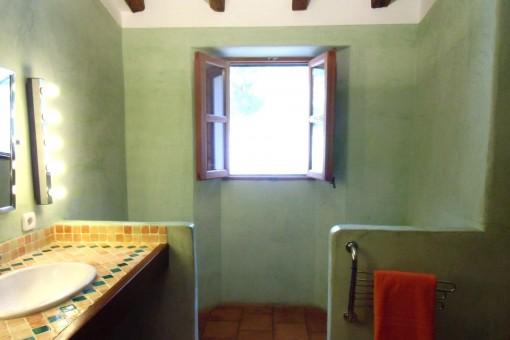 Guest bathroom of the finca