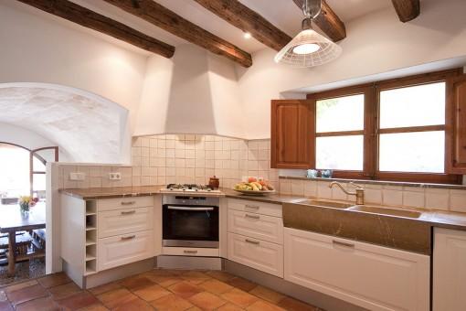 Charming kitchen in white