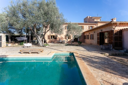 Finca in Santa Maria perfectly-situated with good connections to Palma
