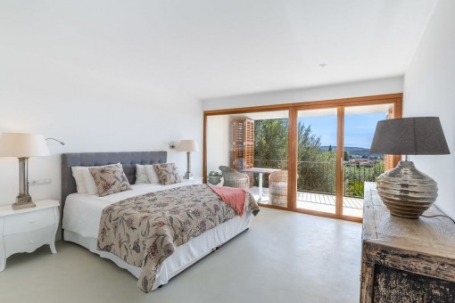 One of 5 bedrooms