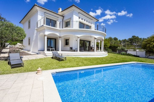 Modern villa with outstanding views in Cala Vinyas