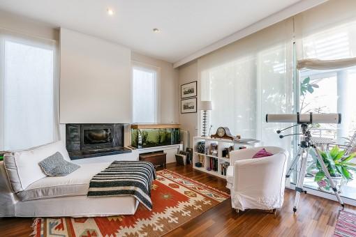 Elegant fireplace corner