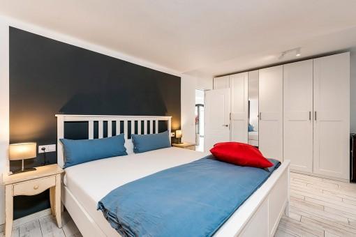 Second bedroom with bathroom en suite