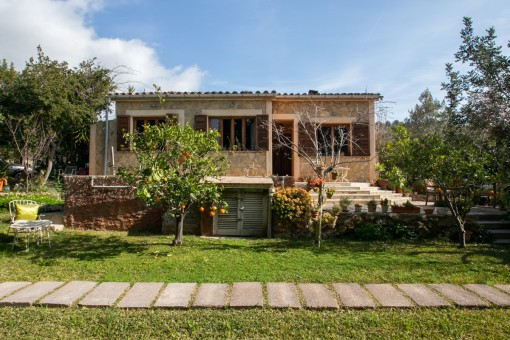 Romantic finca in a quiet location in Alaro