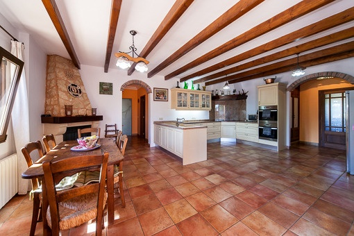 Traditonal kitchen with fireplace