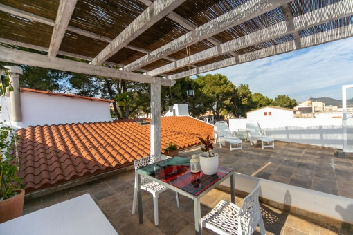 Brilliant purchase opportunity - completely-renovated town house in a perfect location in Arta