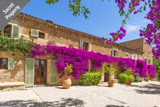 Impressive mediterranean, authentic finca with pool in an idyllic setting in Artà