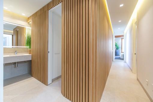 Elegant corridor and bathroom