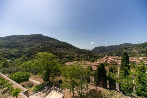 Impressive views over Valldemossa