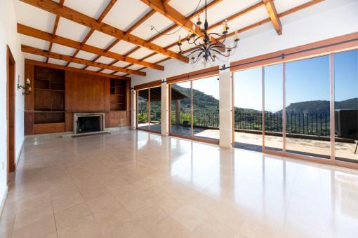 Lightflooded living area with panorama windows