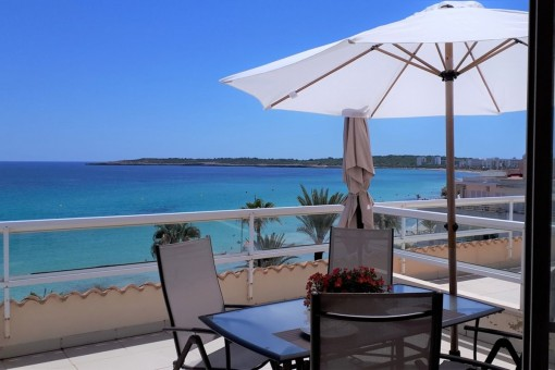 Wonderful penthouse apartment on the seafront in Cala Millor