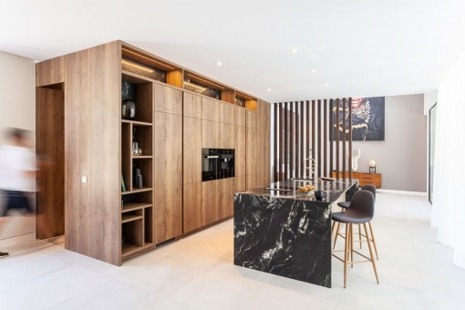 Noble kitchen with cooking island