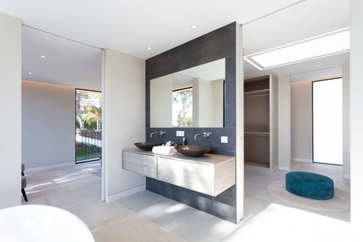 Noble Bathroom