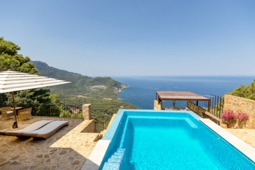 True luxury- life in a villa on the clifftop...