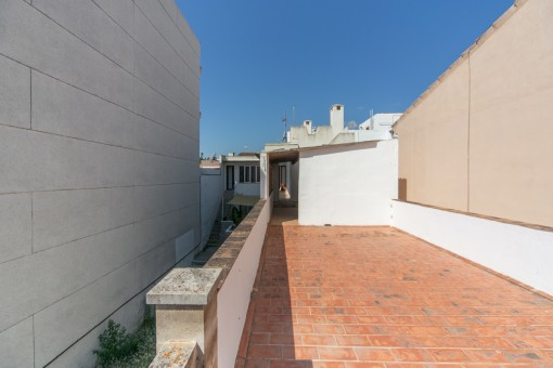 Alternative view of this terrace