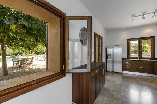Alternative view of the kitchen