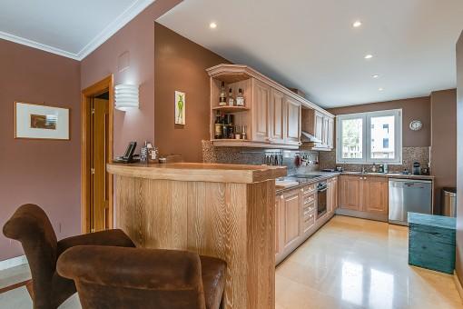 Adjoining, open kitchen