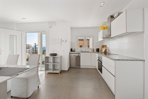 Open kitchen and balcony access