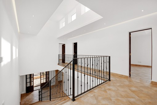 Impressive floor and gallery