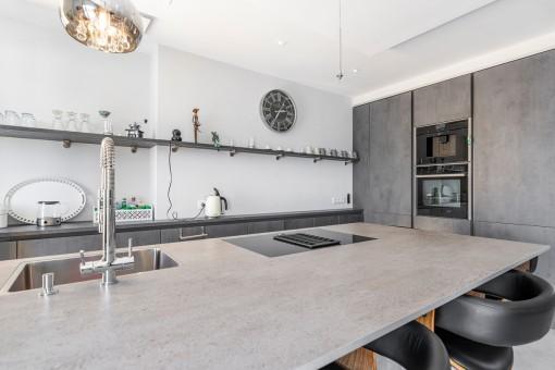 Open, high qulaity kitchen