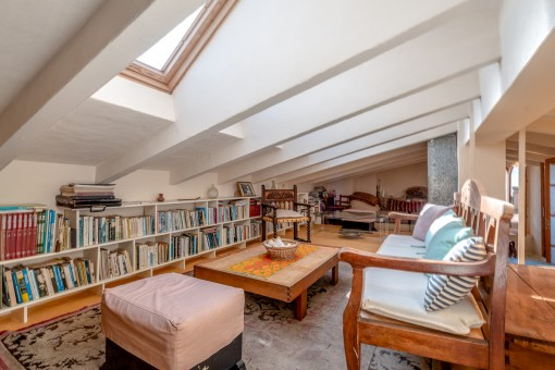 Cozy reading room on the upper level