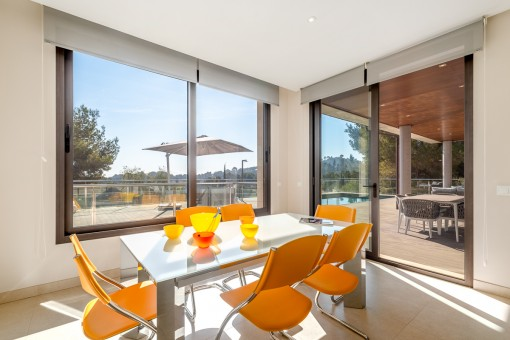 Bright dining area in the kitchen