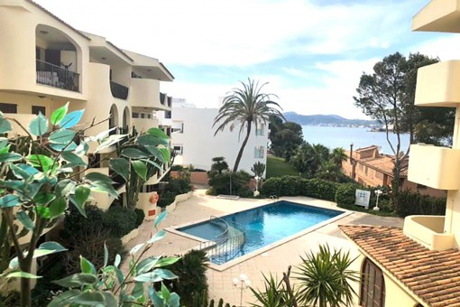 Apartment with sea views in a complex close to the beach in Santa Ponsa