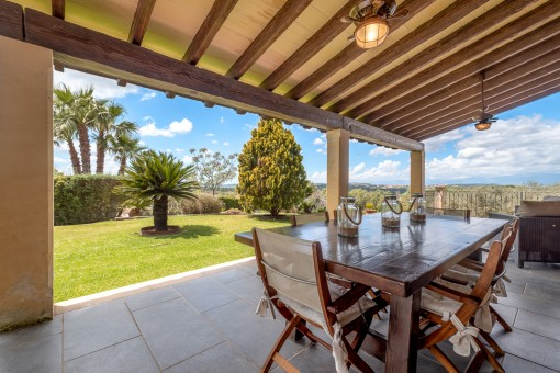 Further terrace with garden with