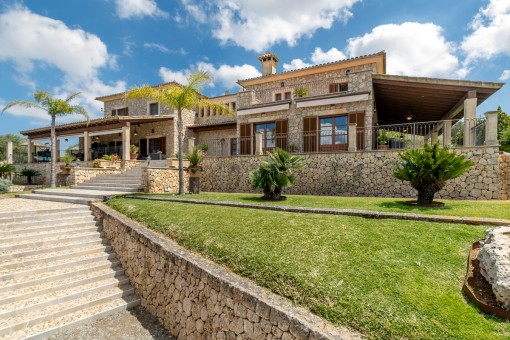 Exterior view of the stone finca