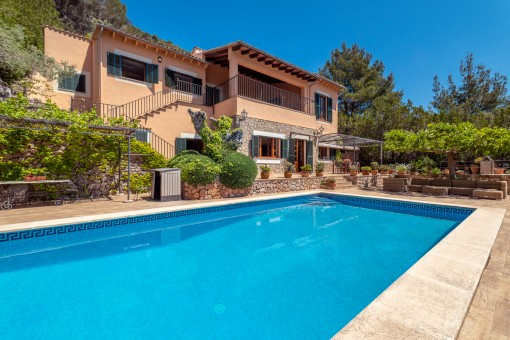 Exceptional villa in a prestigious area with wonderful panoramic views in Valldemossa