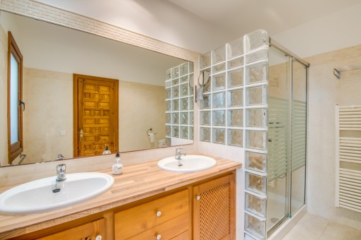 One of in total 8 bathrooms