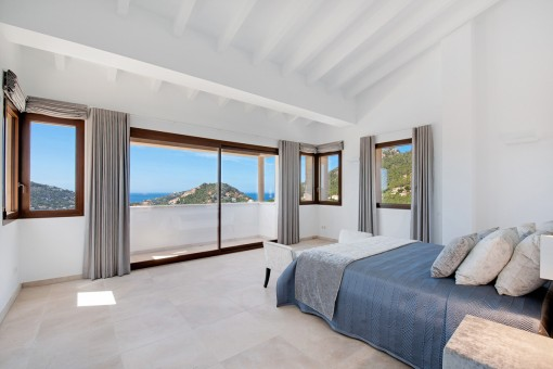 Large double bedroom suite