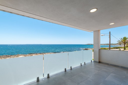 Lower terrace with sea views