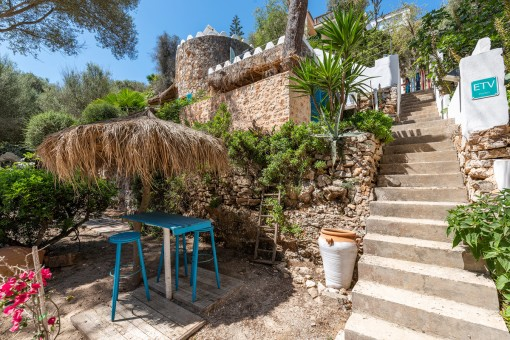 Charming beach house directly on the bay of Cala Llombards with touristic rental licence