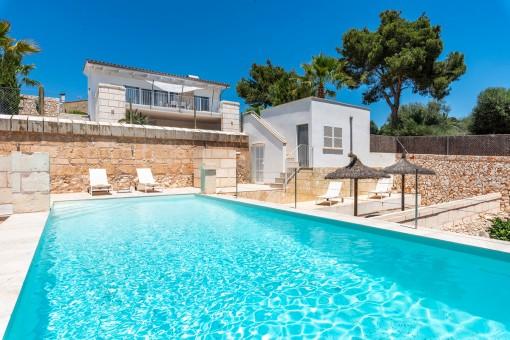 villa in Cala Llombards for sale